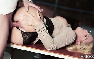 Curvy office whore Kyra Hot seduces her colleague