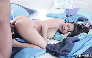 Sultry Asian sex bomb Sharon Lee stuns with her big sweet butt