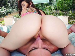 Mandy Muse takes a cock in her phat white ass outdoors