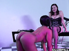 Classy white mistress Sovereign Syre is having lesbian fun with ebony Jenna Foxx