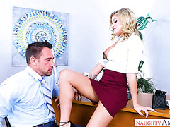 Stud fucks his divorced lady boss Jessa Rhodes in her office