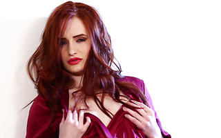 Startling redhead babe Denisa Heaven is fucking like a goddess of passion