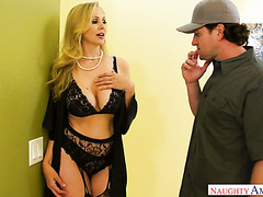 Julia Ann pays a bill for fixing her AC with her mature pussy