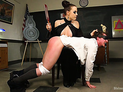 Chanel Preston teaches her submissive student about female superiority