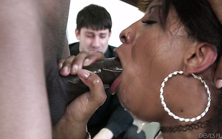 Cuckold is devastated by sight of ebony wife September Reign fucking giant BBC