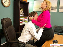 Cougar office babe Sara Jay makes out with shy young workmate
