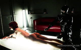 Master fully closed in latex pushes sexy slave through brutal torment
