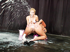 Ivana Sugar and Dulsineya turn themselves in anal milk fountains