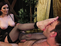 Mistress Cherry Torn makes slave worship her dirty feet