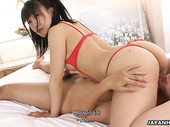 Yui Kyouno squirts on white sheets during intensive sex