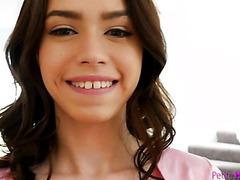 Люси Клайн детка с расщелиной в зубах и узкой щёлкой