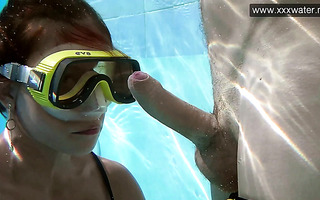 Underwater blowjob by a diver girl Minnie Manga