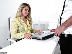Boss lady Mary Kalisy treats subordinate with her hairy pussy