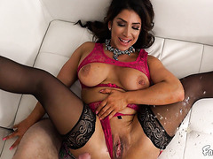 Heart broken stepmother Raven Hart squirts on stepson's junk