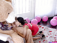 Jasmine Grey enjoys Teddy Bear's huge cock