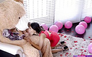 Jasmine Grey enjoys Teddy Bear's huge cock