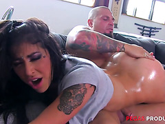 Curvy brunette Heidi Van Horny enjoys steamy anal pile driver fuck