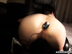 Painal ass-to-pussy anal with amateur chubby Japanese girl Momo Sakata