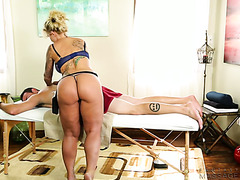 Fat ass MILF Ryan Conner gets nailed after giving a massage