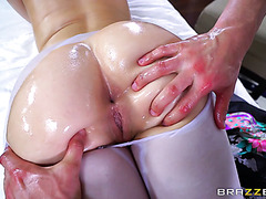 PAWGtastic Ryan Smiles loves ass massage before banging