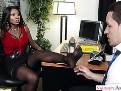 Black boss babe Diamond Jackson testes out a new subordinate