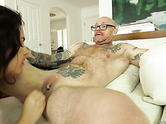 Legendary man with a pussy Buck Angel gets laid with Valentina Nappi