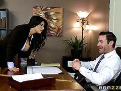 Роми Рэйн трахается с партнером во время деловой встречи