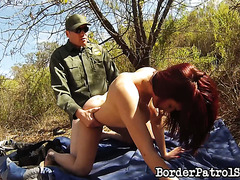 Border patrolman punishes Latin girl Onyx with his dick