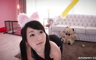 Finger- und Masturbationsstunde mit Amateur-Jap-Girls