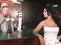 Pissed off bride Brooklyn Blue fucks a barman and doesn't regret at all